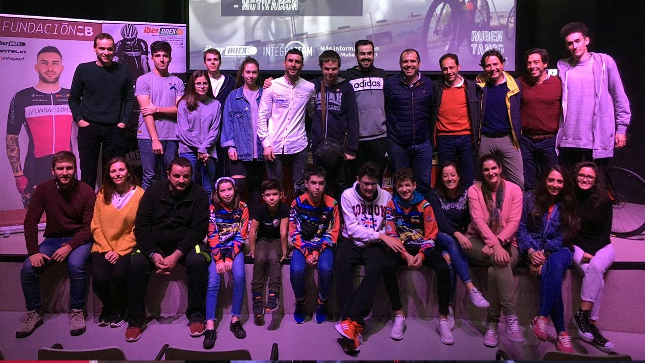 Foto grupo con Rubén Tanco