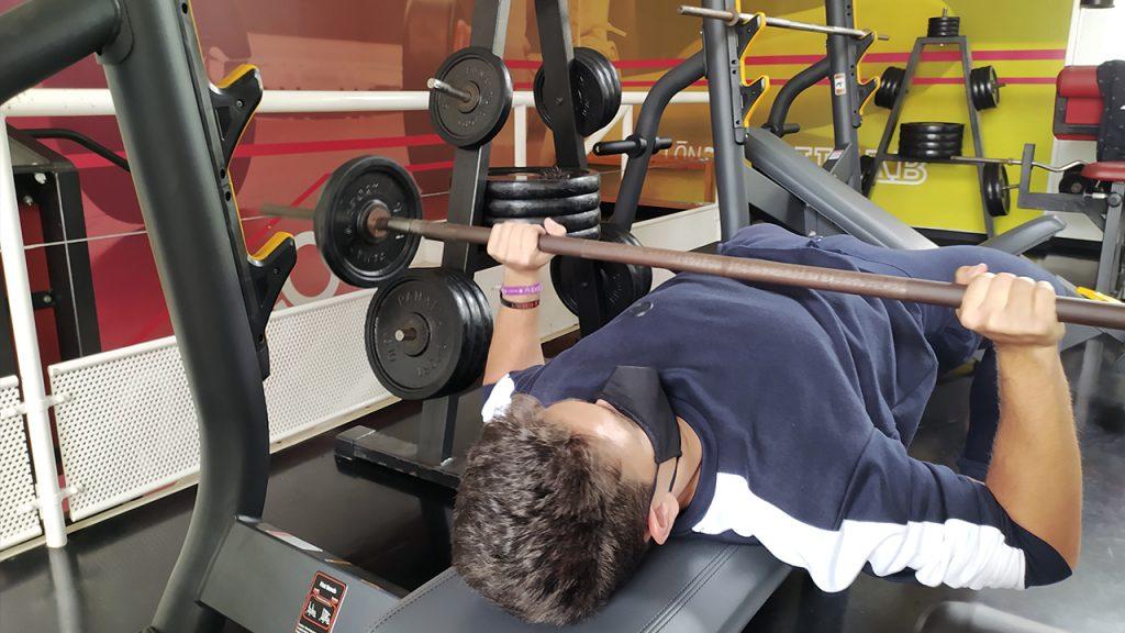 10 kg de pesas en el gym de la RUCAB